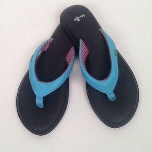 Sanuk flip flops in teal-size 8